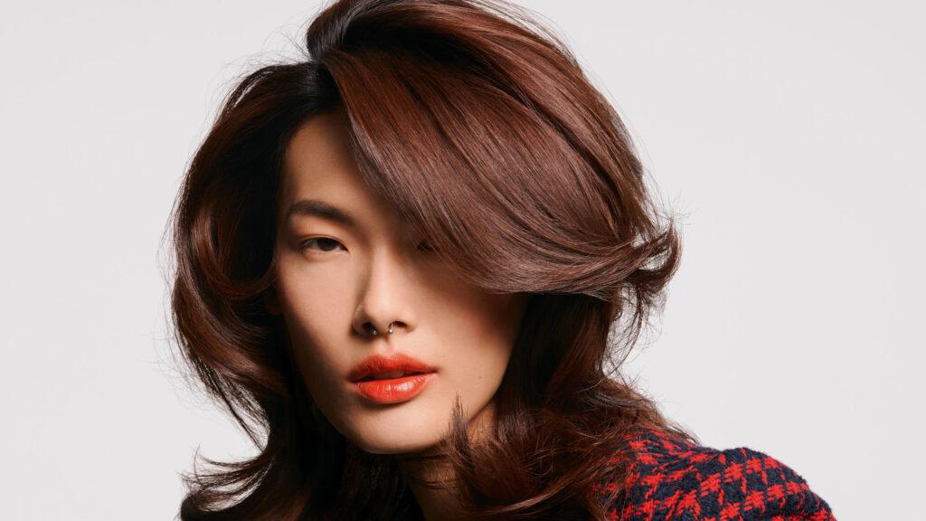 Chin Chin Color Grading Brunette Woman Schwarzkopf